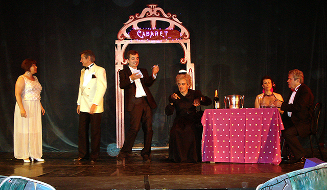 Prom'Op�ra Toulon Un de la Canebi�re 2014, le cabaret 'la r�serve'